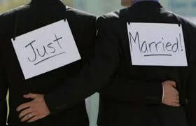 Opinioni: NOZZE GAY, MARINO CONTRO TUTTI